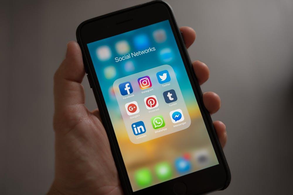 Développer sa communication sur les médias sociaux pour se différencier de la concurrence